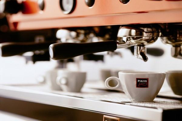 Maquina de café en una cafetería
