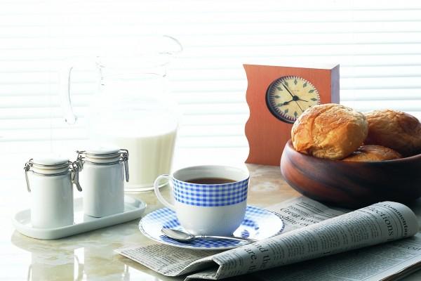 Desayuno con el periódico