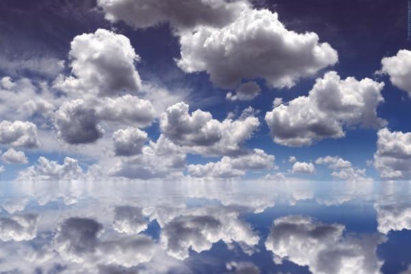 El reflejo de las nubes