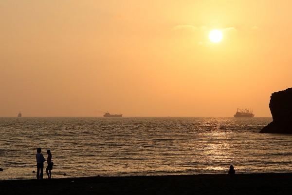 Puesta de sol en una playa en Kaohsiung