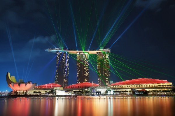 Noche en Singapur