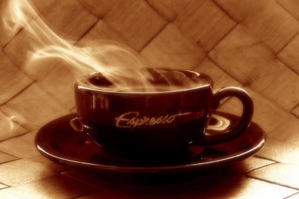 Café espresso recién hecho