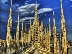 Postal: Parte superior de una Catedral