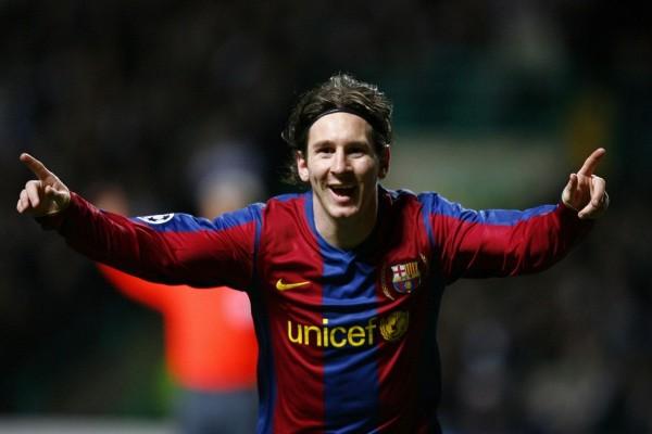 Messi feliz por el gol