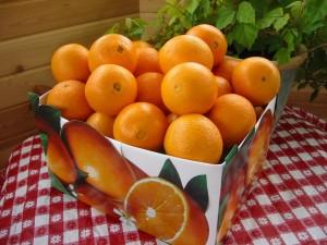 Postal: Caja con naranjas