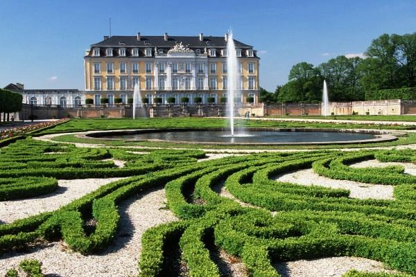 """Jardines de """"Palacios de Augustusburg y Falkenlust"""" en Brühl (Alemania)"""