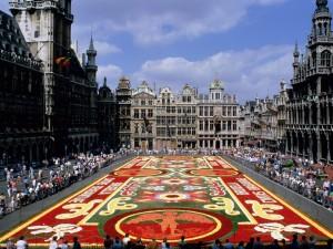 Postal: Alfombra de flores en Grand Place (Bruselas)