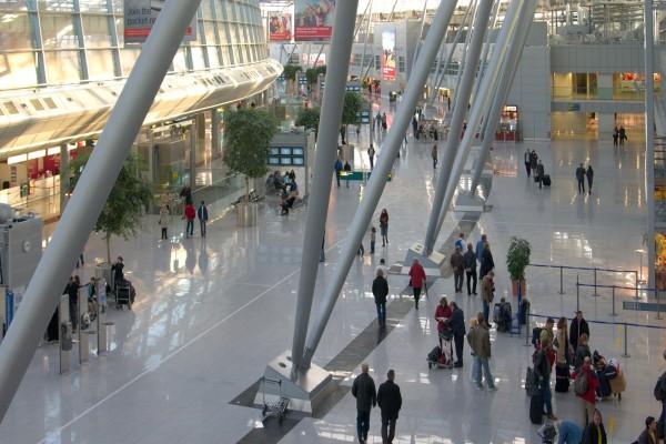 Dentro de un aeropuerto
