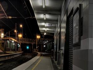 Postal: Estación de tren solitaria