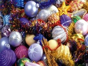 Muchos adornos para Navidad