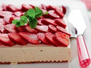 Postal: Tarta de queso y fresas cuadrada