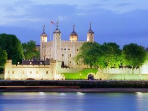 Postal: Torre de Londres al atardecer