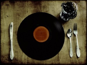 Postal: Comer y beber música