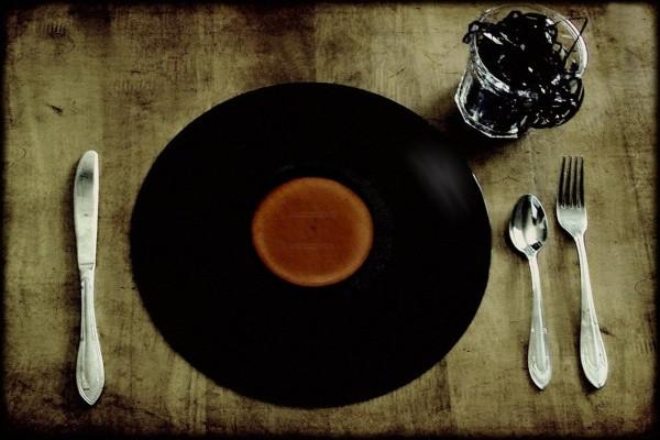 Comer y beber música