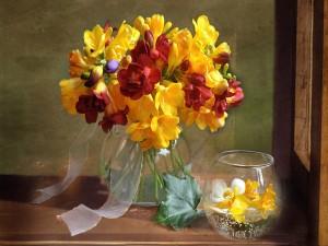 Postal: Ramo de fresias en un florero