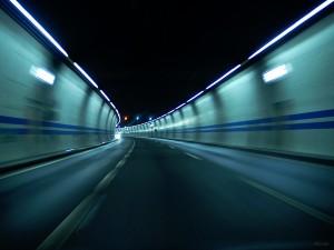 Postal: Carretera pasando por un túnel