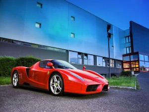 Ferrari aparcado
