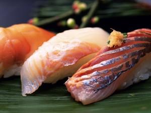 Postal: Pescado y arroz, comida japonesa