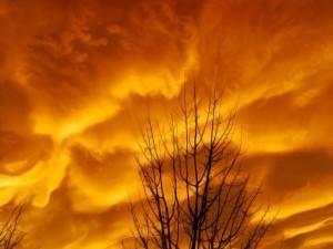 Postal: Cielo de fuego