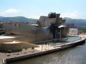 Museo Guggenheim y la ría de Bilbao