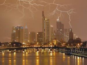 Postal: Tormenta eléctrica en la ciudad