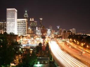Gran carretera en la ciudad