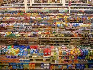 Postal: Pasillos de un supermercado