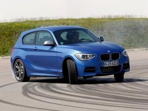 Postal: BMW M135i, azul