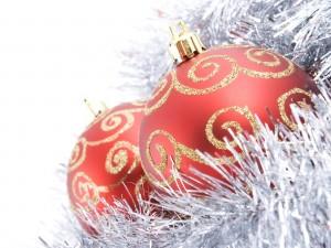Postal: Dos bolas rojas para Navidad