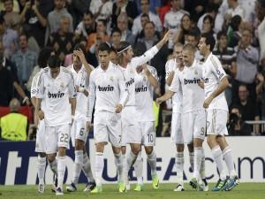 Jugadores del Real Madrid celebrando el gol