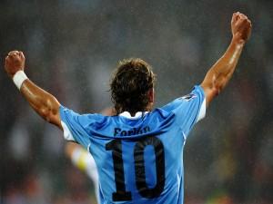 Postal: Diego Forlán jugando para Argentina