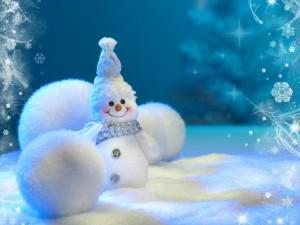 Postal: Muñeco de nieve y bolas blancas