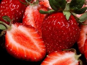Postal: Interior de unas fresas