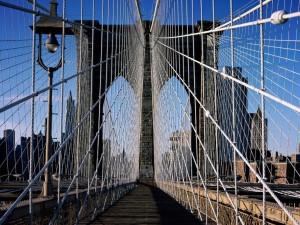 Andando por el puente de Brooklyn