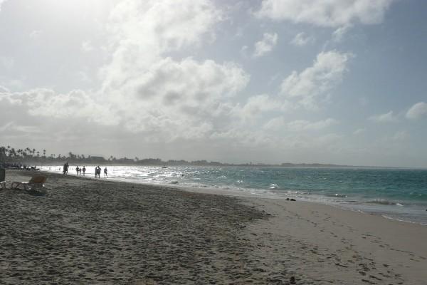 Atardecer en una playa de Punta Cana, República Dominicana
