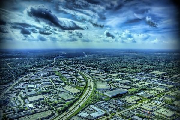 Larga carretera vista desde el aire