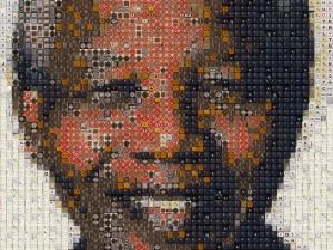 Postal: Mosaico con el rostro de Nelson Mandela