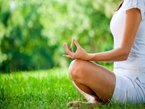 Meditando sobre la hierba