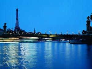 Postal: Noche en París