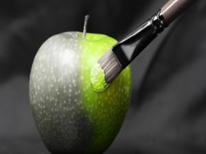 Postal: Pintando una manzana