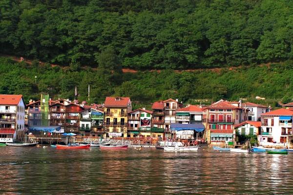 Casas de un pueblo pesquero