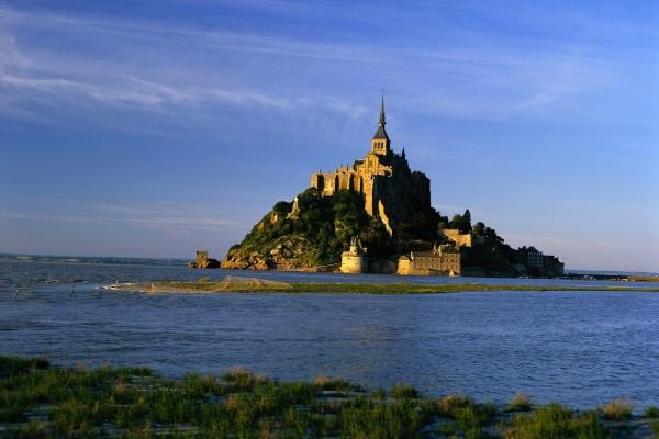 La isla Monte Saint-Michel, Francia