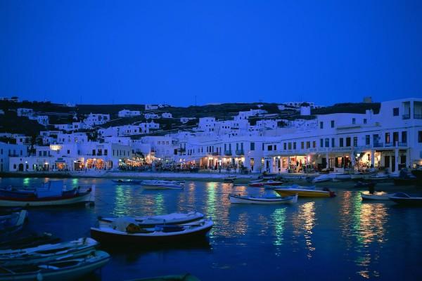 Noche en un pueblo junto al mar