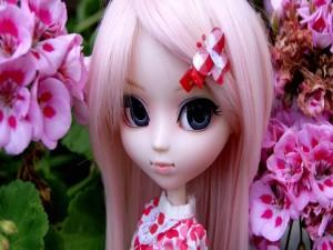 Postal: Muñeca con el pelo largo y rosado