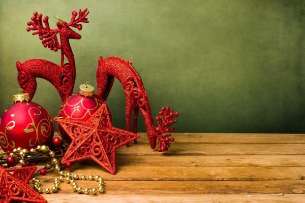 Adornos rojos para Navidad