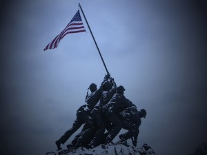 Alzando la bandera en Iwo Jima