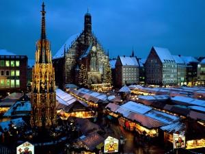 Postal: Mercado de Navidad en la plaza de la iglesia