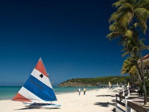 Postal: Playa de la bahía Dickenson (Antigua)