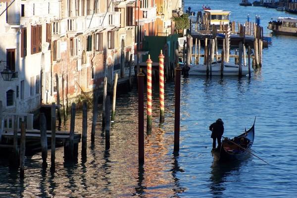 Gondolero en Venecia