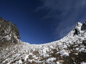 Restos de hielo en la montaña